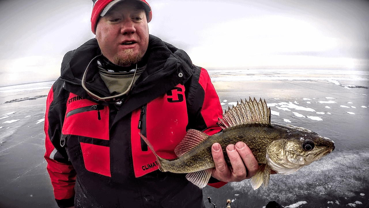 Tip-Up Fishing for WALLEYE (Deadstick Strategy)